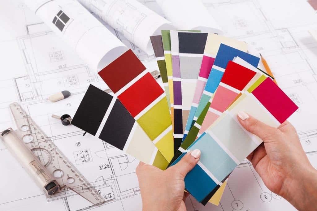 interior-designer-working-with-palette-closeup-1024x682