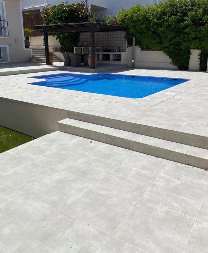 Swimming pool construction in Marbella.